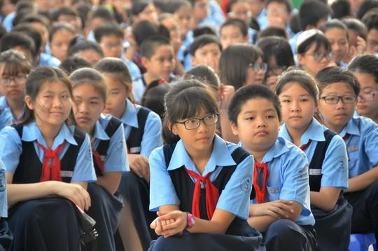 Học sinh lớp 6 trường THCS Nguyễn Văn Tố (quận 10, TP.HCM). Ảnh: Tấn Thạnh / Người Lao Động.