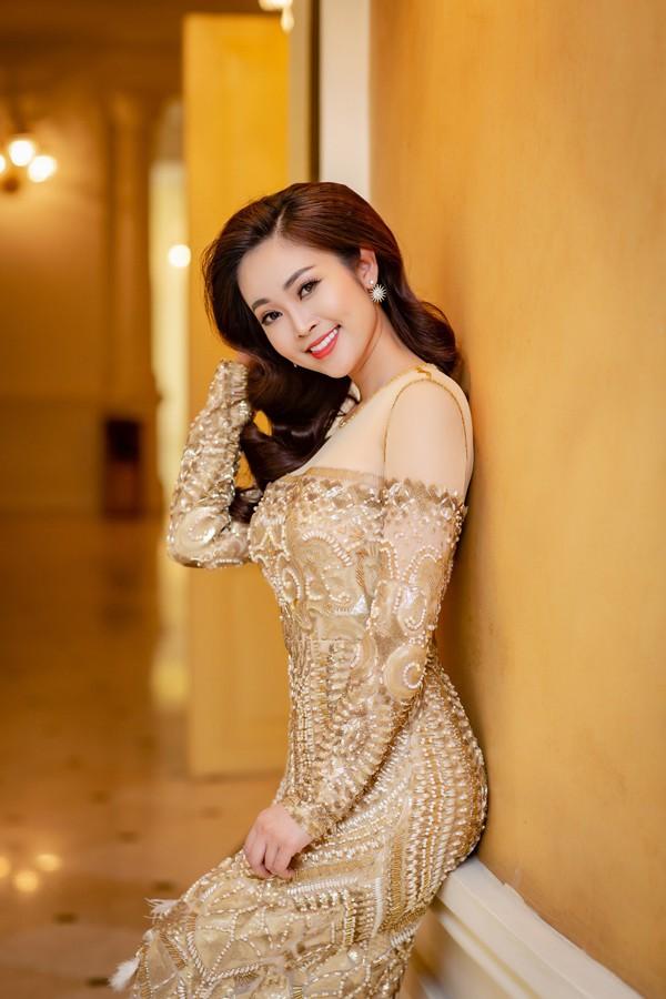 Nhan sắc ngọt ngào của MC Thùy Linh.
