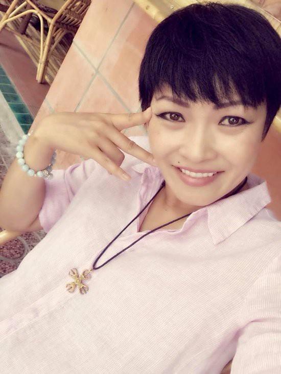 Hình ảnh mới nhất của Phương Thanh sau khi trở về từ Trường Sa.