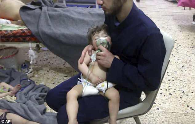 Nạn nhân chủ yếu của cuộc tấn công nghi dùng vũ khí hóa học là phụ nữ và trẻ em.