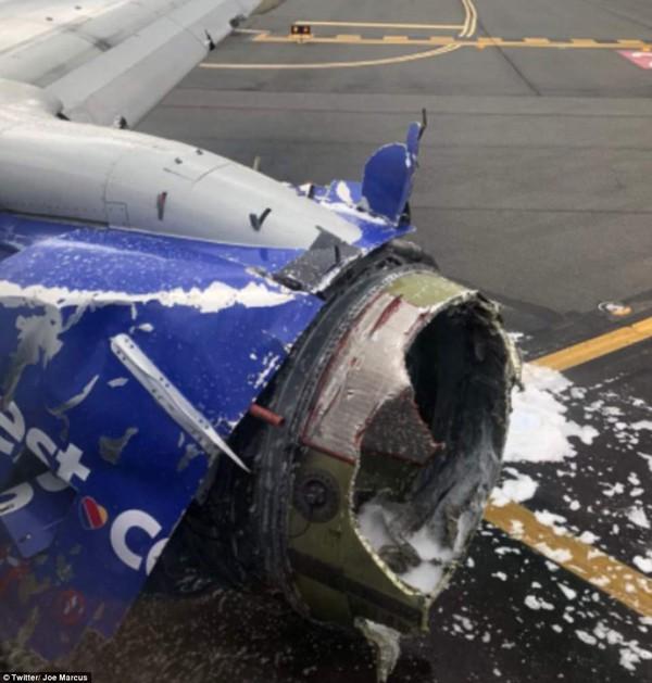 Hiện trường vụ máy bay bị nổ trên không.