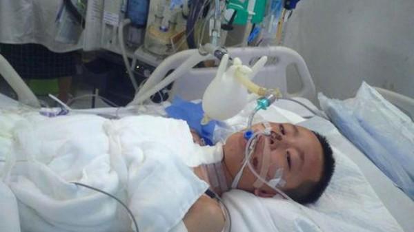 Jin Ming Li đang được chăm sóc tích cực tại bệnh viện ở Tam Á, đảo Hải Nam. Ảnh: SCMP.