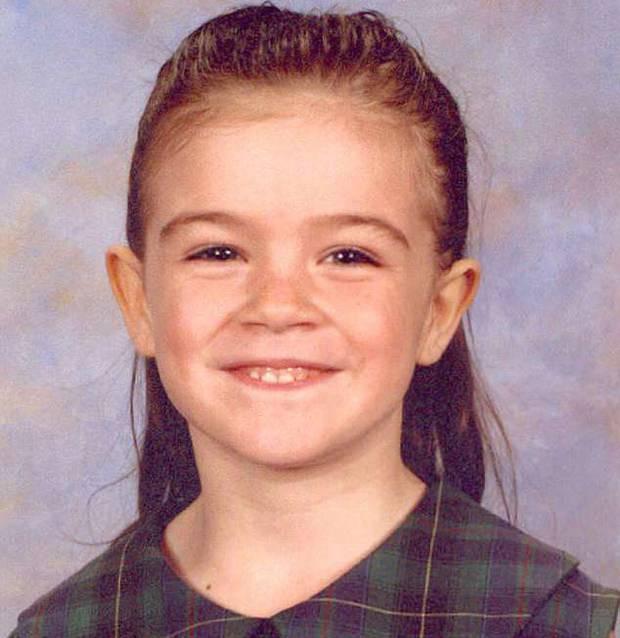 Đi lạc gặp kẻ tâm thần, bé gái 5 tuổi mãi không trở về và phán quyết của tòa khiến bố mẹ bất bình