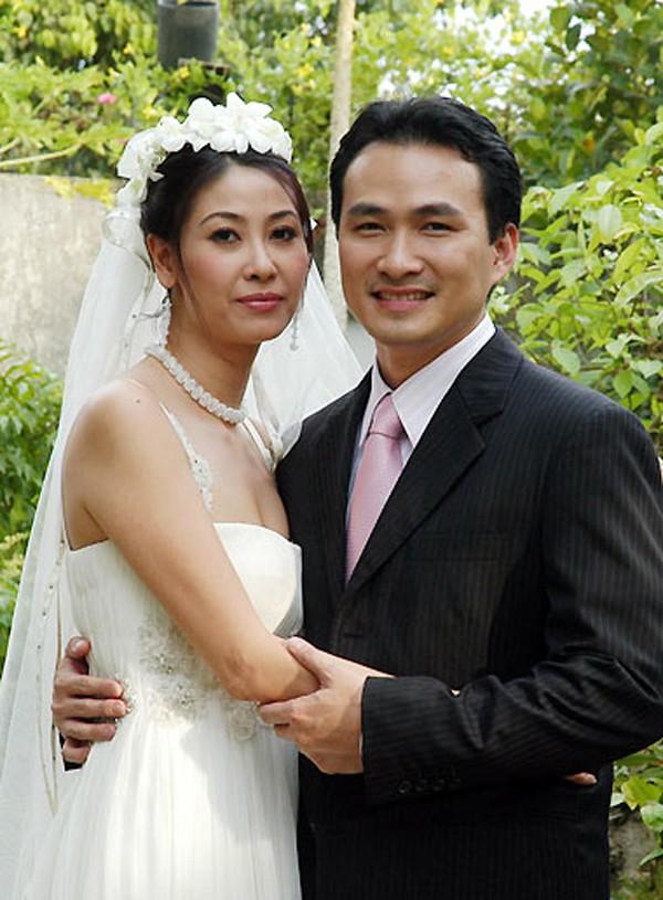 Hà Kiều Anh gắn tên mình với nhiều vai diễn trong nhiều dự án phim điện ảnh. Trong hình, cô chụp cùng diễn viên Chi bảo phim Đẻ mướn.