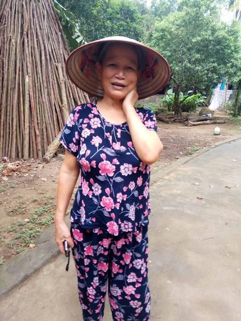 Bà Trần Thị Hiên, mẹ nạn nhân kể lại sự việc.