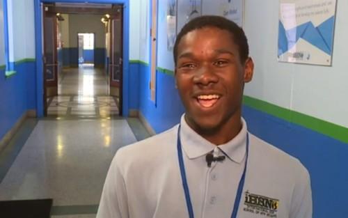 Darrin Francois, nam sinh Mỹ khiến nhiều người bất ngờ khi đỗ 83 đại học với tổng trị giá học bổng lên tới 3 triệu USD.