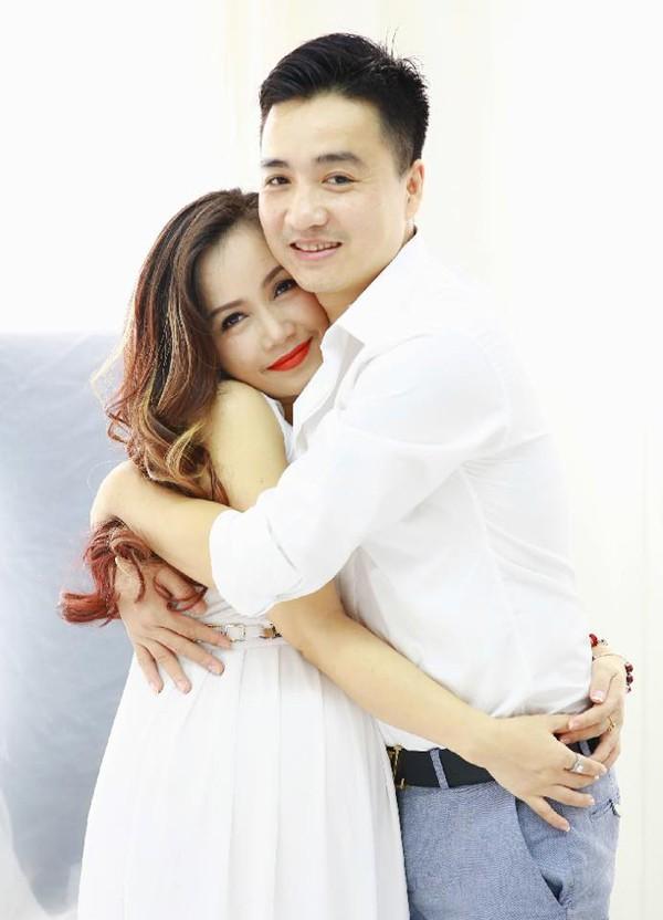Hoàng Yến luôn khiến chồng trẻ ghen và yêu bởi cá tính độc lập.