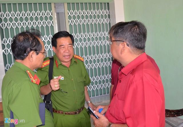 Đại tá Phan Thanh Quân, Phó Giám đốc - Thủ trưởng cơ quan Cảnh sát điều tra Công an tỉnh Trà Vinh chỉ đạo công tác điều tra vụ án. Ảnh: C.A.