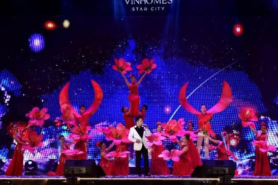 Đại nhạc hội quy tụ nhiều cái tên đình đám của làng nhạc Việt như Bằng Kiều, Uyên Linh, Phương Linh, Soobin Hoàng Sơn, Tóc Tiên