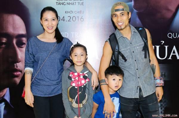 Gia đình hạnh phúc của Phạm Anh Khoa.
