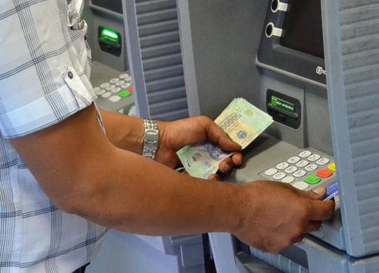 Ngân hàng Nhà nước Việt Nam đã có văn bản về việc đảm bảo chất lượng dịch vụ an ninh, an toàn ATM dịp nghỉ lễ . Ảnh minh họa: TL