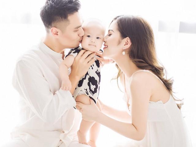 """Sock! Việt Anh """"Người phán xử"""" livestream đạt kỷ lục nhiều mẹ bỉm sữa xem!"""