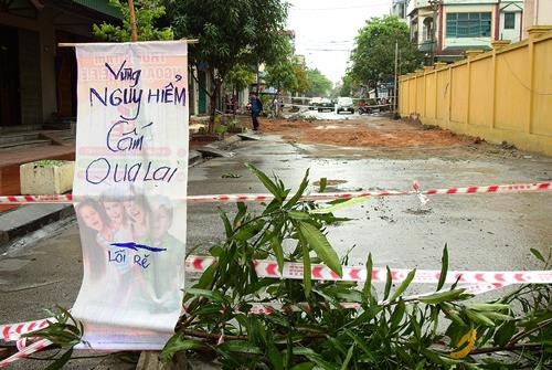 Quảng Ninh: Nam thanh niên bị cuốn xuống 'hố tử thần' rộng gần 100 m2