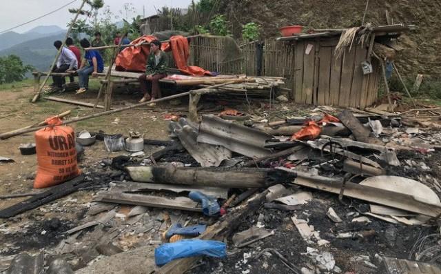 Căn nhà chị Ph. bị đối tượng Khánh đốt cháy hoàn toàn.