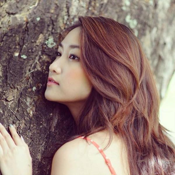 Nhan sắc của vợ Lam Trường khiến nhiều người yêu thích.