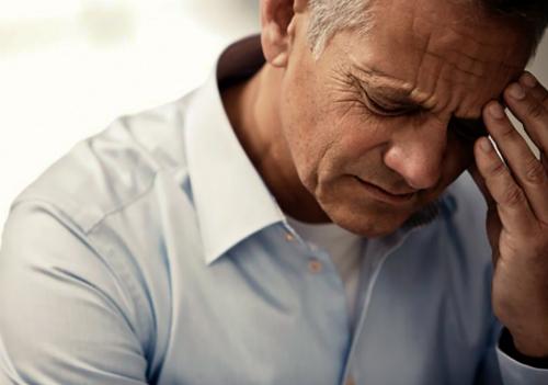 Vợ chồng tuổi xế chiều ly hôn vì những uất ức thời trẻ