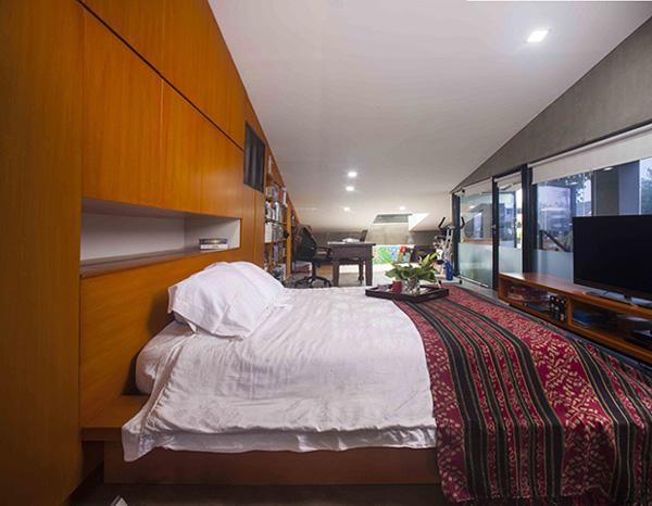 … và phòng ngủ với đồ nội thất rất đơn giản chủ yếu thiên về tiện lợi và thân thiện môi trường.