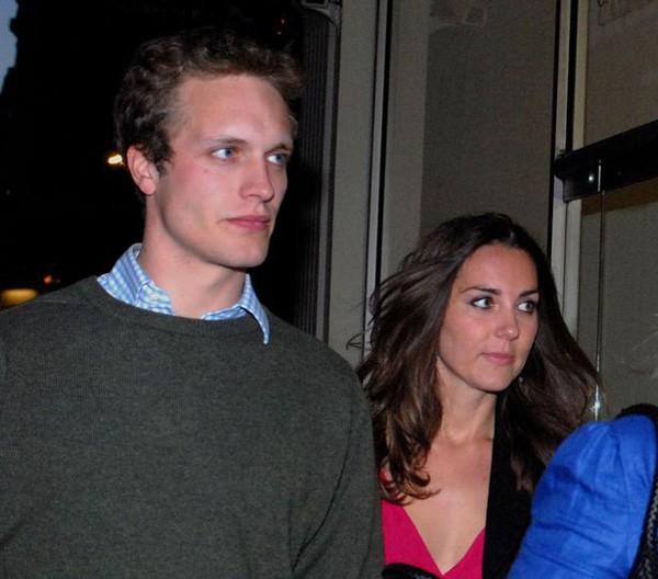 Kate và Henry được bắt gặp đi cùng nhau vào năm 2007, hai tháng sau khi cô và hoàng tử Anh chia tay. Ảnh: Camera Press.
