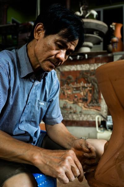 Một trong những đặc trưng của gốm Phù Lãng là phương pháp đắp nổi trang trí trên sản phẩm.