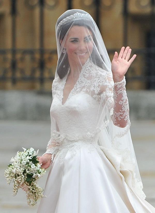 Nhánh cây myrtle (một loại cây họ sim) thường được cắt ra từ bụi cây do Nữ hòang Victoria trồng và bó cùng với hoa cưới trong các hôn lễ hoàng gia.