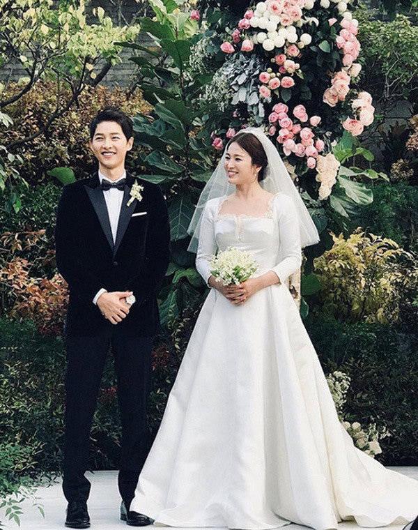 Ngọc nữ Song Hye Kyo cũng lựa chọn bó hoa chuông linh lan xinh xắn trong lễ cưới của mình cùng nam tài tử Song Joong Ki.