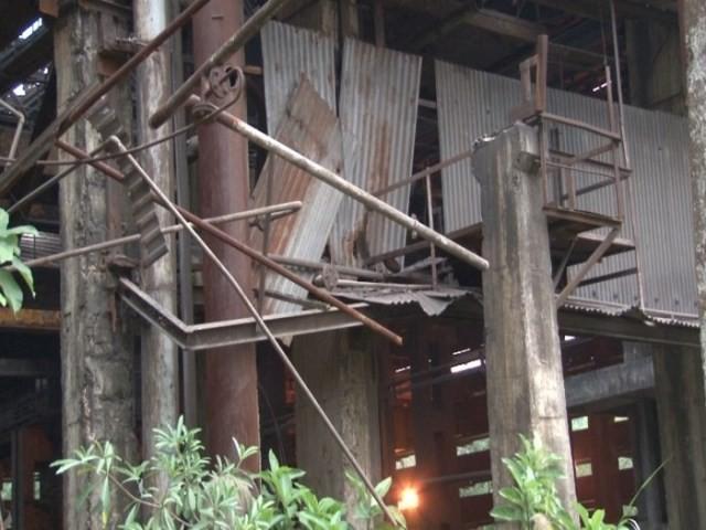 Vì thế phương án di dời, cải tạo nhà máy là cần thiết.