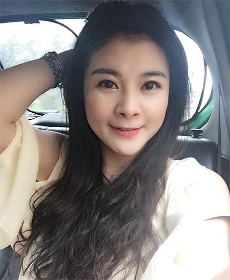 Nhiều người bất ngờ khi nhìn thấy hình ảnh ngày nay của Kim Oanh, bởi nữ diễn viên trông trẻ trung hơn cả thời điểm đóng Sóng ở đáy sông