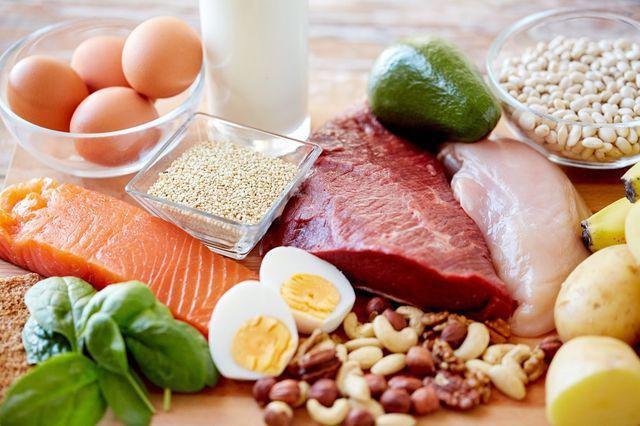 Đối với người cao tuổi, ăn nhiều thịt hơn là biện pháp phòng chống lão hóa. (Ảnh minh họa)