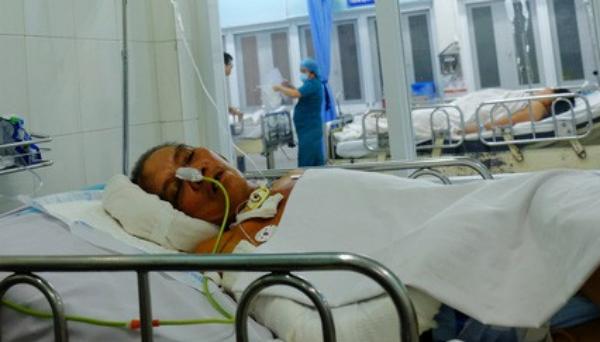 Một bệnh nhân không người chăm sóc đang điều trị hơn hai tháng tại viện, chi phí hơn 100 triệu đồng. Ảnh: Lê Phương.