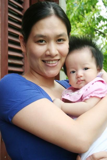 Hà Hương và cô con gái thứ 2. (hình chụp năm 2015). Ảnh: Vietnamnet
