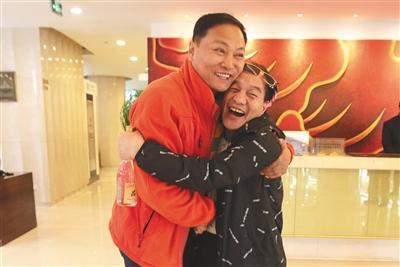 Trần Chi Huy (trái, vai Dương Hùng) và Mạnh Cảnh Thành (Thời Thiên). Ảnh: Beijingnews.