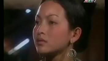 Linh Nga trong phim Đốm lửa biên thùy