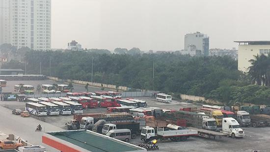 Nhiều loại xe vận tải được xếp ngay ngắn tại Dự án ĐTXD hệ thống phục vụ xe buýt.
