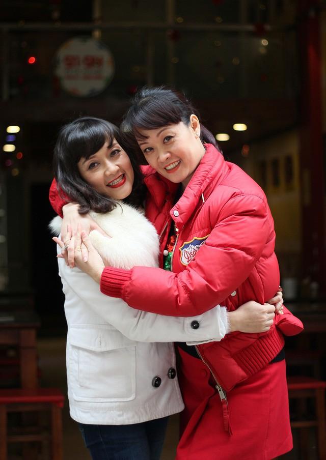 Vân Dung kể từng đi thi Hoa hậu cho biết cuộc thi thế nào và ủng hộ tinh thần chị gái Vân Trang (ảnh: Xuân Ngọc).