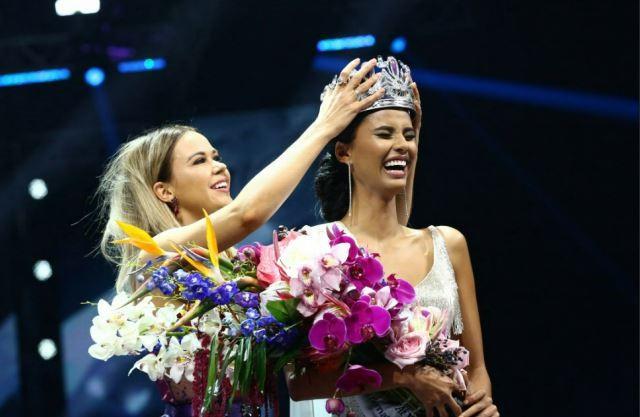 Tối 27/5 (giờ địa phương), đêm chung kết cuộc thi Hoa hậu Nam Phi lần thứ 60 diễn ta tại Sun Arena, thủ đô Pretoria. Vượt qua 11 thí sinh, người đẹp 23 tuổi Tamaryn Green xuất sắc lên ngôi hoa hậu trong sự ủng hộ của đông đảo khán giả. Với chiến thắng này, cô sẽ đại diện quốc gia chinh chiến tại cuộc thi Hoa hậu Hoàn vũ sắp tới.