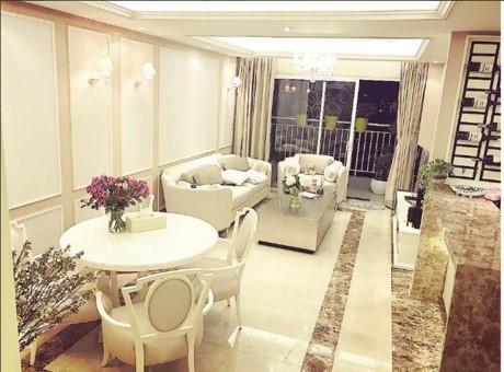 Sau khi trả lại căn hộ được ở sau đăng quang, Phạm Hương đã tự tậu được cho mình căn hộ chung cư cao cấp tại TPHCM với phong cách châu Âu hiện đại.