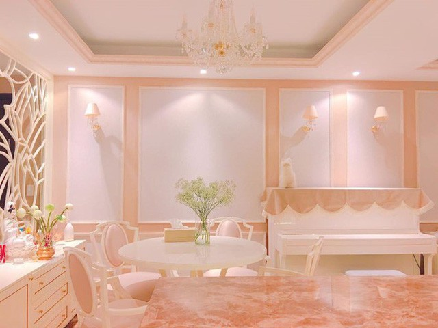 Căn nhà sang trọng, với nội thất đắt tiền khiến người ta choáng váng vì độ giàu nhanh của Phạm Hương.