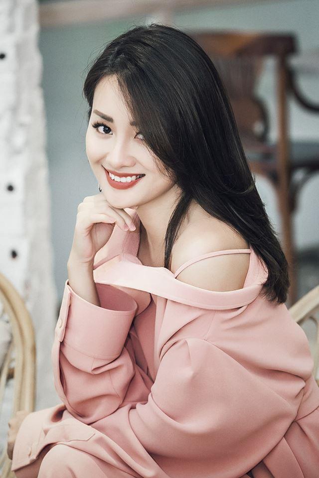 Quỳnh Chi xinh đẹp là nữ BTV thể thao cá tính.