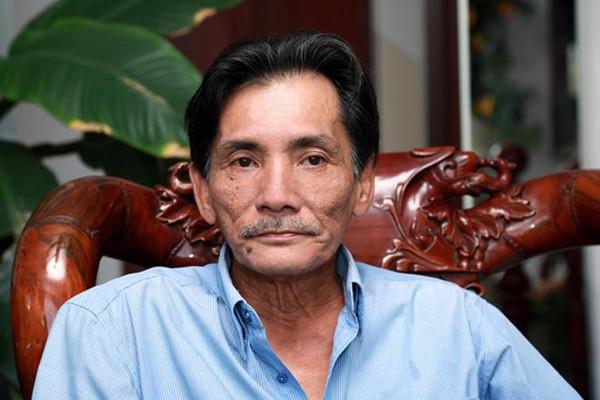 Thương Tín là tài tử nổi tiếng trong làng phim với những vai diễn góc cạnh.