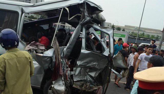 Vụ tai nạn trên cao tốc Hà Nội - Bắc Giang khiến 2 người chết, nhiều người khác bị thương. Ảnh: PV