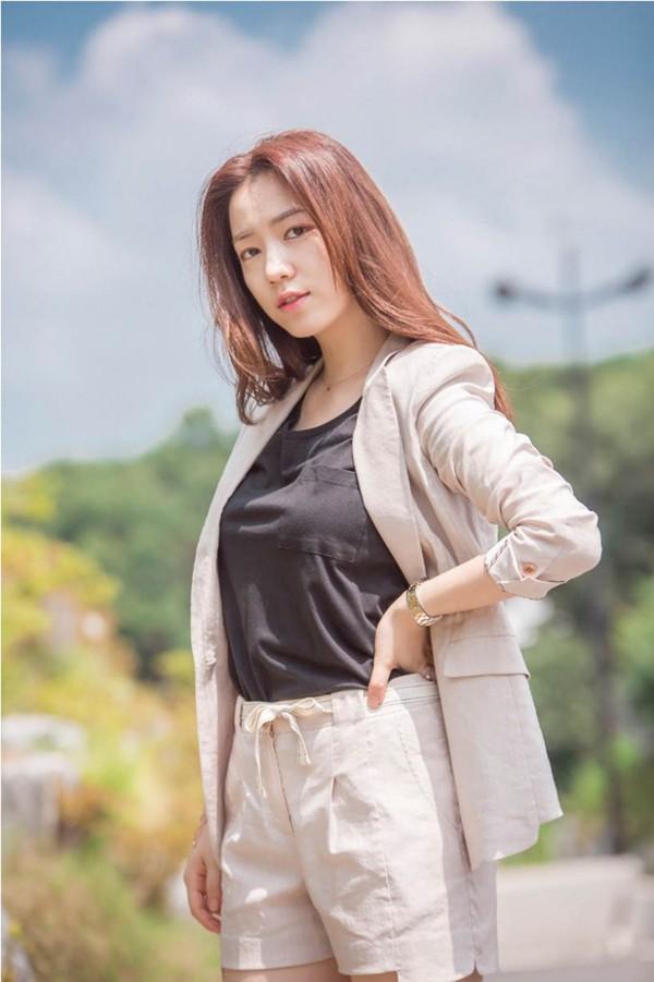 Nhan sắc của Ryu Hyo Young được đánh giá cao và phù hợp với nhiều bộ phim ăn khách.