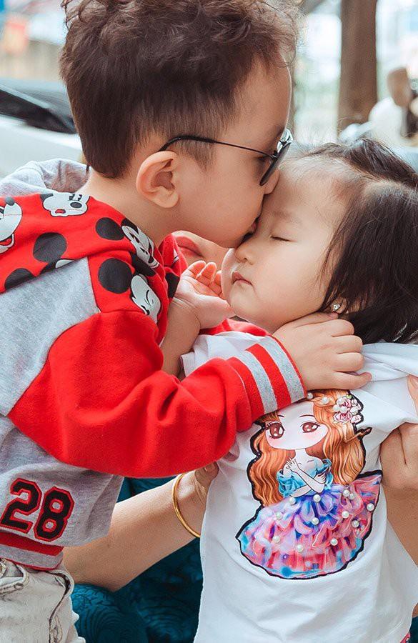 Su Hào và Son - hai con yêu của Tuấn Hưng.
