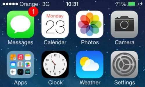 Ứng dụng Clock thể hiện thời gian thực.