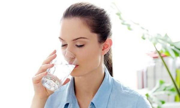 Luôn uống đủ nước