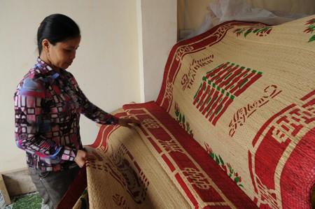 Những tấm chiếu cói thủ công đỏ tươi từng là một trong những nét đặc trưng văn hóa tỉnh Thái Bình, bán ra thị trường cả nước.