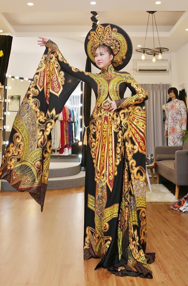 Nhan sắc, vóc dáng thay đổi sau 15 lần phẫu thuật thẩm mỹ, Phi Thanh Vân đã sang Mỹ dự thi Hoa hậu Doanh nhân Thế giới người Việt 2017.