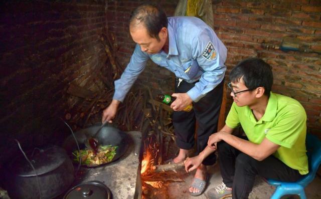 Ngoài kinh doanh gà, Hồ Phủ Quốc còn mở thêm khu nghỉ dưỡng sinh thái tại quê nhà