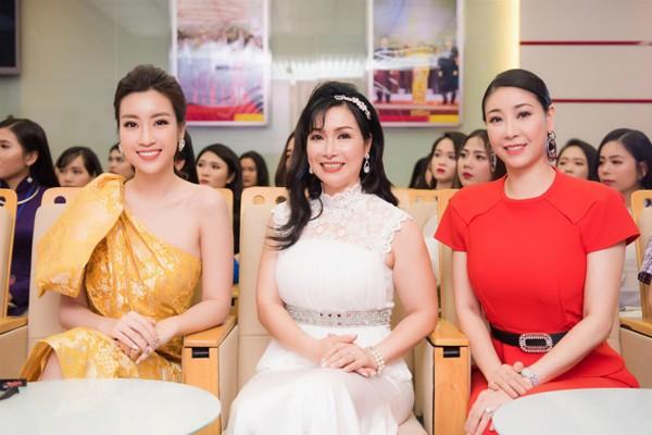 3 Hoa hậu ở trong ban giám khảo chấm thi Hoa hậu Việt Nam 2018.