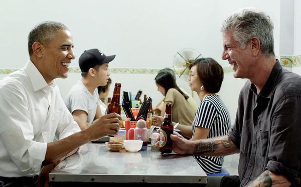 Đầu bếp Anthony Bourdain cùng cựu tổng thống Obama tới Việt Nam trước khi tự tử.