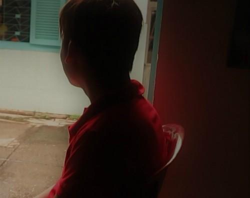 Anh Bình luôn cảm thấy có lỗi với bố mẹ, chị Thắm và chị Lan, vì đã làm mất niềm tin ở họ. Ảnh: P.T.